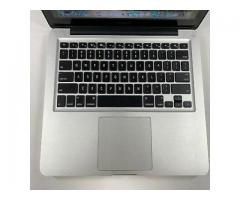 APPLE MACBOOK 13,1.4GHz quad-core Intel Core i5, Turbo Boost up to 3.9GHz, with 128MB of eDRAM