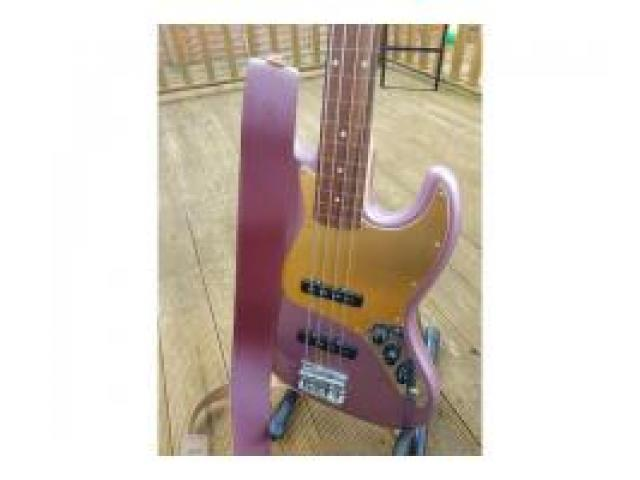 BRAND NEW JAZZ BASS GUITER FOR SALE