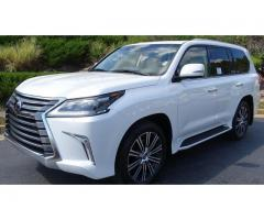 LX570 2019 Lexus - Under warranty